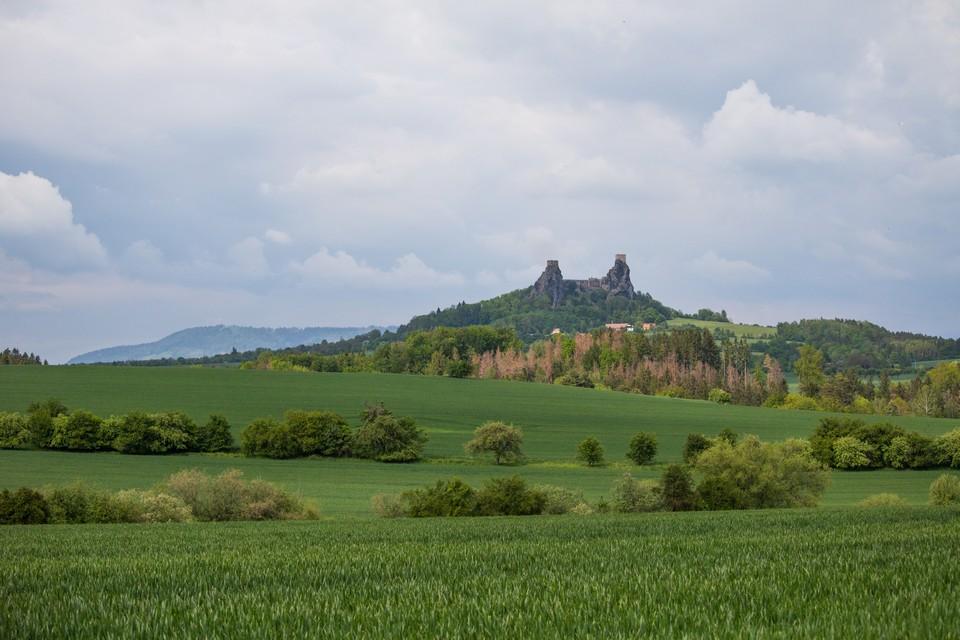 Ruins of castle Trosky český ráj